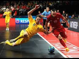 Ricardinho down touchline
